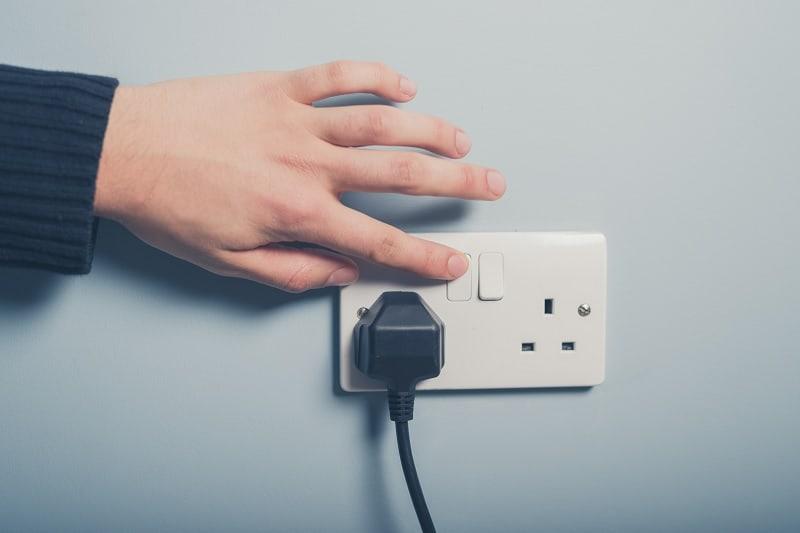 UK 13 amp plug socket