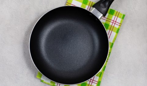 Why Does My Non-Stick Pan Smell?