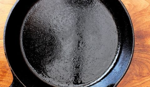 What Is the Best Oil to Season a Cast Iron Skillet With?