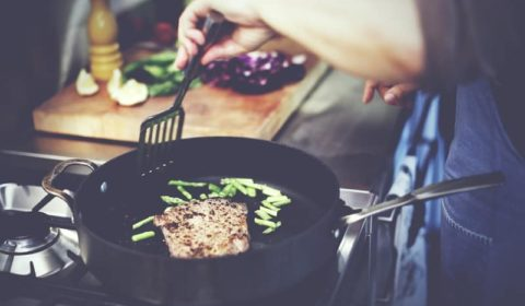 Sauté Pan vs. Frying Pan – What's the Difference?