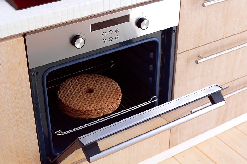 Electric oven with door open