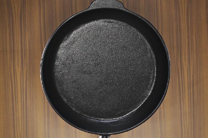 Heavy based frying pan