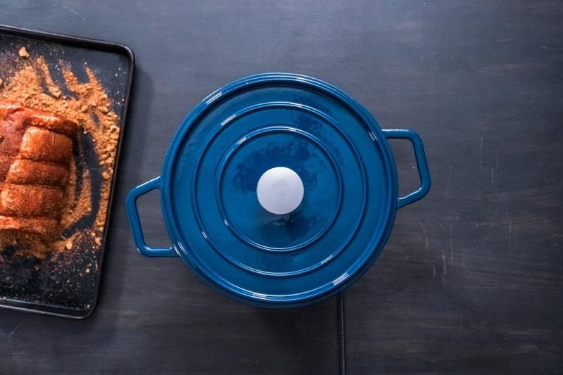Blue casserole pot