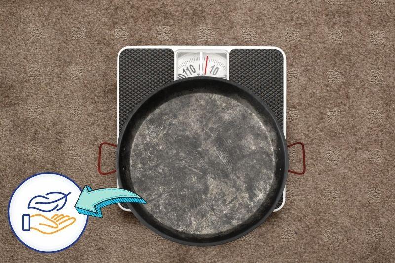Carbon Steel Pan is Lightweight
